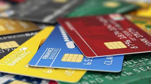 """信用卡协商分期?中介谈判有""""剧本""""  法律人士提醒:""""灰色地带""""风险多 持卡人不要心存侥幸"""