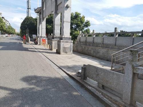 小码头护栏损坏