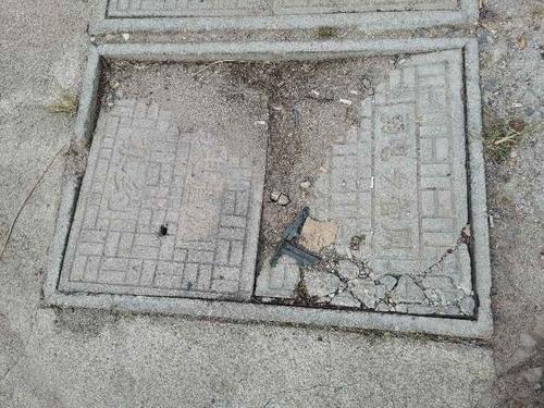 弱电管网井盖破损