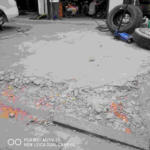 三阳街人行道破损