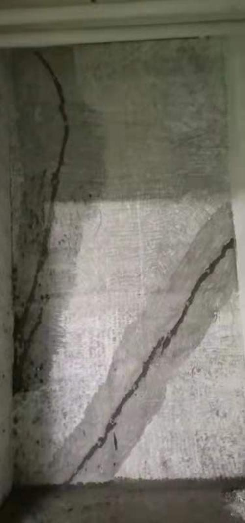 天力城西区房屋剪力墙问题